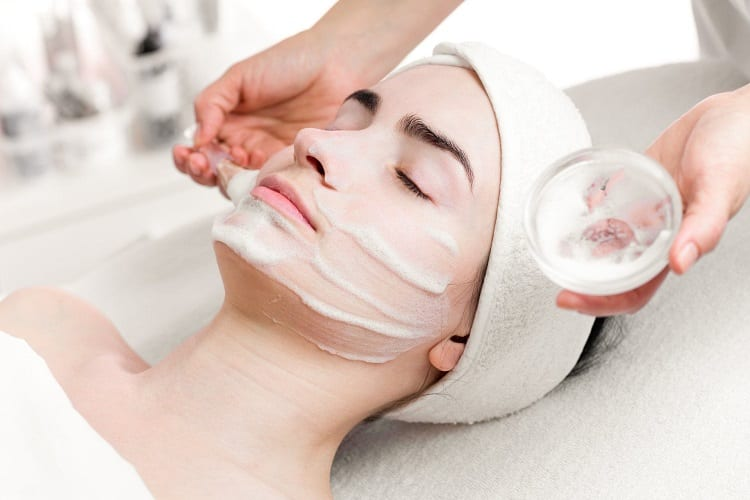 ARE PEELS GOOD FOR YOUR SKIN?
